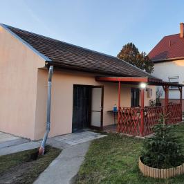 Eladó  családi ház (<span class='notranslate'>Szigetszentmiklós</span>, <span class='notranslate'>Óváros</span>) 64,8 M   <span class='notranslate'>Ft</span>