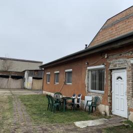 Eladó  családi ház (<span class='notranslate'>Budapest, IV.  </span>kerület) 55 M   <span class='notranslate'>Ft</span>