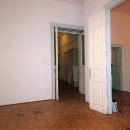 Eladó  téglalakás (<span class='notranslate'>Budapest, VI.  </span>kerület) 69.9 M   <span class='notranslate'>Ft</span>