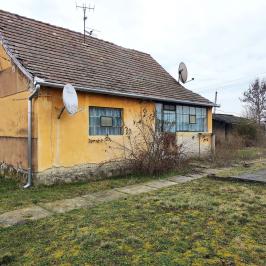 Eladó  családi ház (<span class='notranslate'>Mohács-Sárhát</span>, <span class='notranslate'></span>) 1,9 M   <span class='notranslate'>Ft</span>