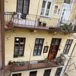 Eladó  téglalakás (<span class='notranslate'>Budapest, VI.  </span>kerület) 74,9 M   <span class='notranslate'>Ft</span>