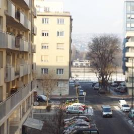 Kiadó  iroda (<span class='notranslate'>Budapest, XIII.  </span>kerület) 456 E   <span class='notranslate'>Ft</span>/hó +ÁFA
