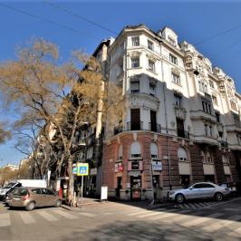 Eladó  téglalakás (<span class='notranslate'>Budapest, XIII.  </span>kerület) 66,9 M   <span class='notranslate'>Ft</span>