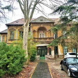 Kiadó  villa (<span class='notranslate'>Budapest, XV.  </span>kerület) 250 E   <span class='notranslate'>Ft</span>/hó