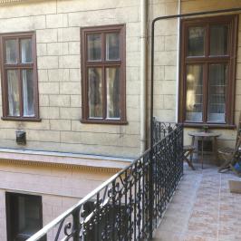 Eladó  téglalakás (<span class='notranslate'>Budapest, VI.  </span>kerület) 37,9 M   <span class='notranslate'>Ft</span>