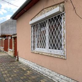 Eladó  családi ház (<span class='notranslate'>Budapest, XIX.  </span>kerület) 89,9 M   <span class='notranslate'>Ft</span>
