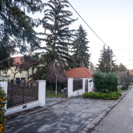 Eladó  villa (<span class='notranslate'>Budapest, II.  </span>kerület) 268 M   <span class='notranslate'>Ft</span>
