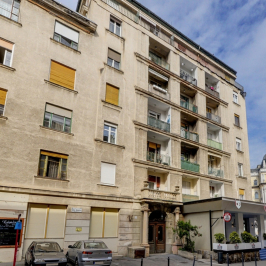 Eladó  téglalakás (<span class='notranslate'>Budapest, II.  </span>kerület) 80,4 M   <span class='notranslate'>Ft</span>