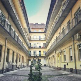 Eladó  téglalakás (<span class='notranslate'>Budapest, VII.  </span>kerület) 38,9 M   <span class='notranslate'>Ft</span>