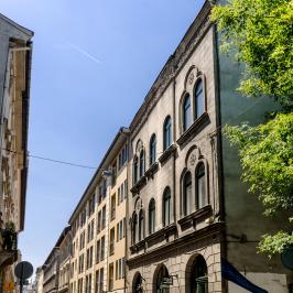 Eladó  téglalakás (<span class='notranslate'>Budapest, VII.  </span>kerület) 32 M   <span class='notranslate'>Ft</span>