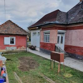 Eladó  családi ház (<span class='notranslate'>Veresegyház</span>, <span class='notranslate'>Tópart</span>) 35 M   <span class='notranslate'>Ft</span>