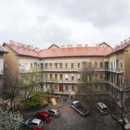 Eladó  téglalakás (<span class='notranslate'>Budapest, VIII.  </span>kerület) 38 M   <span class='notranslate'>Ft</span>