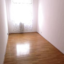 Eladó  panellakás (<span class='notranslate'>Budapest, XX.  </span>kerület) 29,99 M   <span class='notranslate'>Ft</span>