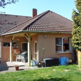 Eladó  családi ház (<span class='notranslate'>Balatonkenese</span>, <span class='notranslate'>Városközpont</span>) 51.5 M   <span class='notranslate'>Ft</span>