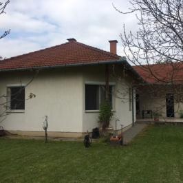 Eladó  családi ház (<span class='notranslate'>Békéscsaba</span>, <span class='notranslate'></span>) 43,5 M   <span class='notranslate'>Ft</span>