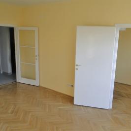 Kiadó  téglalakás (<span class='notranslate'>Budapest, XII.  </span>kerület) 150 E   <span class='notranslate'>Ft</span>/hó