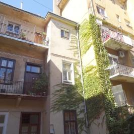Kiadó  téglalakás (<span class='notranslate'>Budapest, VIII.  </span>kerület) 130 E   <span class='notranslate'>Ft</span>/hó
