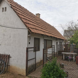 Eladó  családi ház (<span class='notranslate'>Dunaföldvár</span>, <span class='notranslate'>Külvég</span>) 32,9 M   <span class='notranslate'>Ft</span>