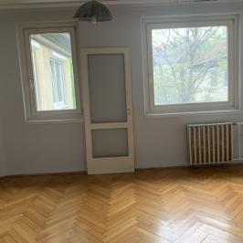 Kiadó  panellakás (<span class='notranslate'>Budapest, IV.  </span>kerület) 125 E   <span class='notranslate'>Ft</span>/hó