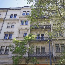 Eladó  téglalakás (<span class='notranslate'>Budapest, XI.  </span>kerület) 124.9 M   <span class='notranslate'>Ft</span>