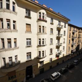 Eladó  téglalakás (<span class='notranslate'>Budapest, II.  </span>kerület) 109,9 M   <span class='notranslate'>Ft</span>
