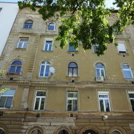 Kiadó  téglalakás (<span class='notranslate'>Budapest, VIII.  </span>kerület) 100 E   <span class='notranslate'>Ft</span>/hó