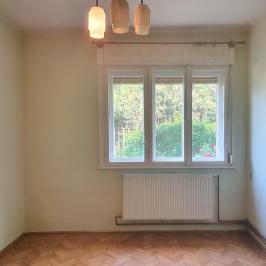 Eladó  családi ház (<span class='notranslate'>Budapest, XIV.  </span>kerület) 63,9 M   <span class='notranslate'>Ft</span>