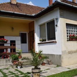 Eladó  családi ház (<span class='notranslate'>Tököl</span>, <span class='notranslate'>Belváros</span>) 52 M   <span class='notranslate'>Ft</span>