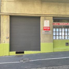 Kiadó  üzlethelyiség utcai bejáratos (<span class='notranslate'>Budapest, I.  </span>kerület) 150 E   <span class='notranslate'>Ft</span>/hó