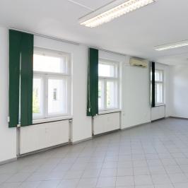 Kiadó  üzlethelyiség üzletházban (<span class='notranslate'>Budapest, III.  </span>kerület) 380.2 E   <span class='notranslate'>Ft</span>/hó +ÁFA