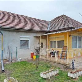 Eladó  családi ház (<span class='notranslate'>Kiskunlacháza</span>, <span class='notranslate'></span>) 27,5 M   <span class='notranslate'>Ft</span>