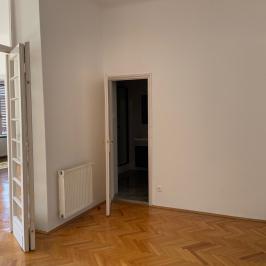 Kiadó  téglalakás (<span class='notranslate'>Budapest, I.  </span>kerület) 300 E   <span class='notranslate'>Ft</span>/hó