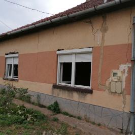 Eladó  családi ház (<span class='notranslate'>Kőröstetétlen</span>, <span class='notranslate'></span>) 9.9 M   <span class='notranslate'>Ft</span>