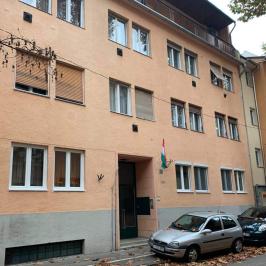 Kiadó  téglalakás (<span class='notranslate'>Budapest, III.  </span>kerület) 130 E   <span class='notranslate'>Ft</span>/hó
