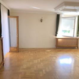 Kiadó  családi ház (<span class='notranslate'>Budapest, XXII.  </span>kerület) 450 E   <span class='notranslate'>Ft</span>/hó
