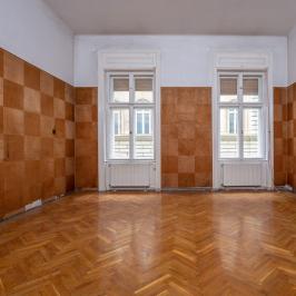 Eladó  téglalakás (<span class='notranslate'>Budapest, VI.  </span>kerület) 89.9 M   <span class='notranslate'>Ft</span>
